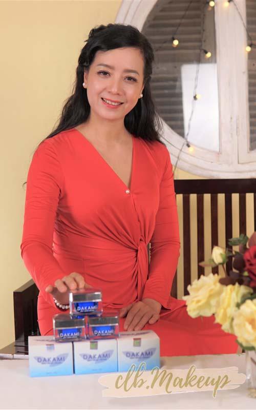 Diễn viênChiều Xuân sử dụng kem chống lão hóa Dakami